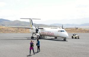 2.Bombardier Dash 8 leteckej spoločnosti Ethiopian na letisku v Lalibele