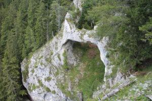 Pohľad na Teufels Brücke pri zostupe