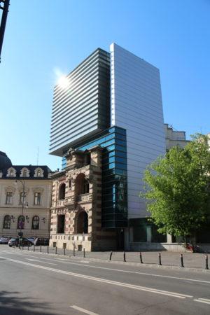 Sídlo zväzu rumunských architektov - skĺbenie (?) starého a nového...