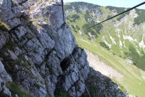 Jeden z troch lanových mostíkov