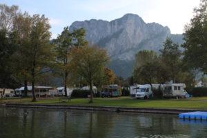 Pohľad z Austria campu na stenu Drachenwand steigu