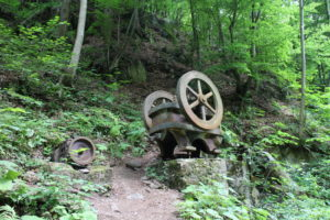 Drtička kamenia pri opustenej rudnej bani