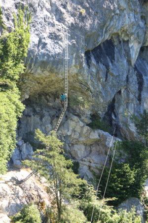 rebrík a lanový most